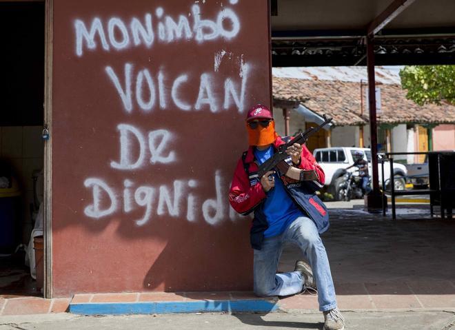 Los paramilitares recorren las calles de Monimbó, corazón de la