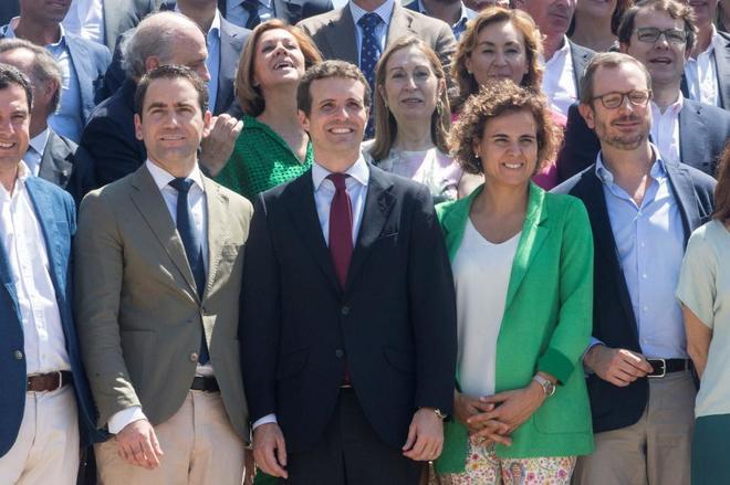 Teodoro García, Pablo Casado, Dolors Montserrat y Javier Maroto, en...