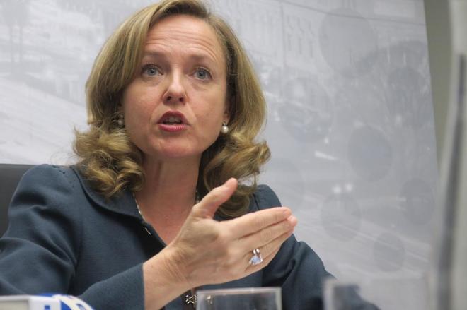 a ministra de Economía y Empresa de España, Nadia Calviño, en una...