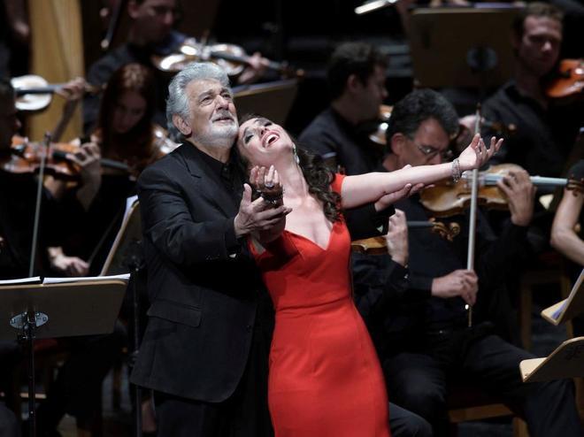 Plácido Domingo y Ermonela Jaho, ayer en el Real.