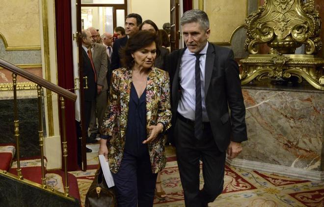 El ministro del Interior, Fernando Grande Marlaska, junto a la...