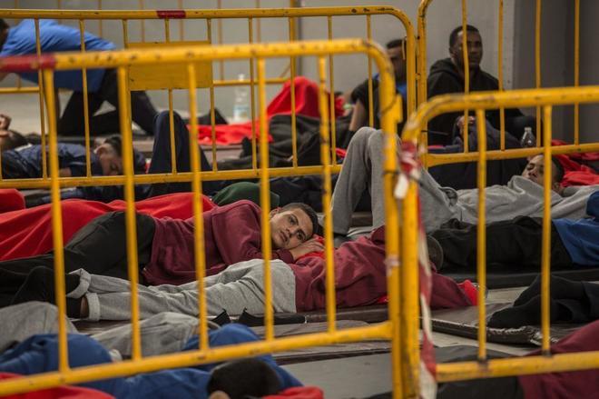 Inmigrantes rescatados por Salvamento Marítimo en el Estrecho de...