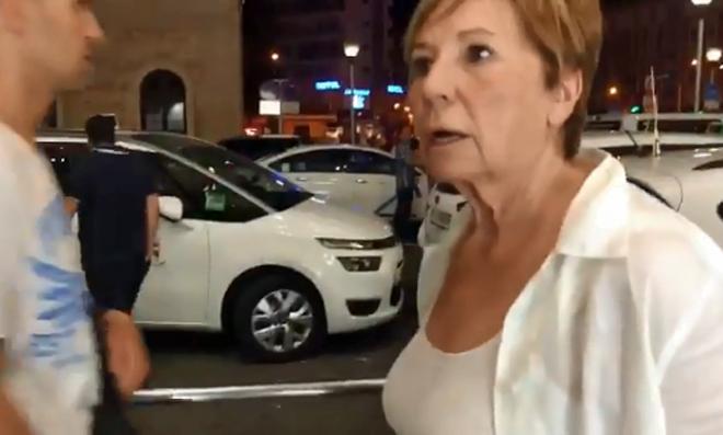 Celia Villalobos, tras enterarse de que no podía coger un taxi.
