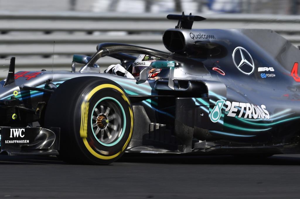 Hamilton domina entre el tedio y se marcha de vacaciones con su quinta victoria