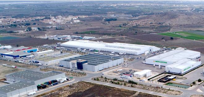Imagen aérea del bloque logístico de Mercadona en el polígono de la Granadina, en San Isidro (Alicante)