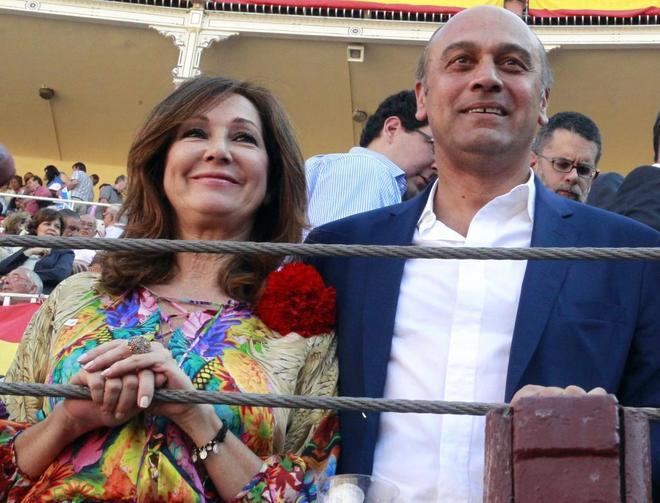 El marido de Ana Rosa Quintana, `jet set` sevillana nacida