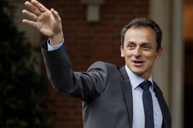 Pedro Duque, a su llegada al primer Consejo de Ministros, celebrado el...