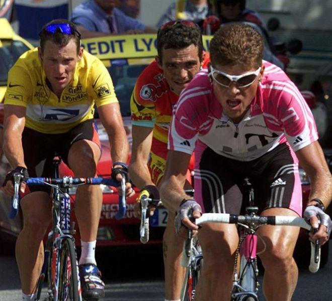 Ullrich, junto a Armstrong y Virenque en una edición del Tour de Francia.
