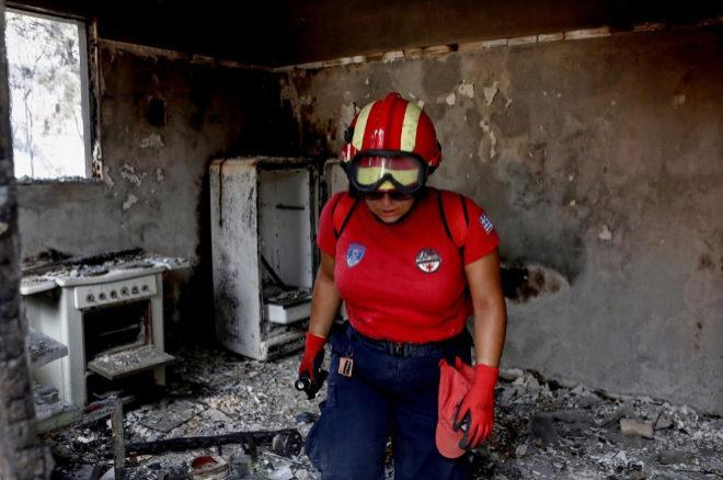 El Gobierno griego destituye a los jefes de Policía y Bomberos por la gestión de los incendios que asolaron el país