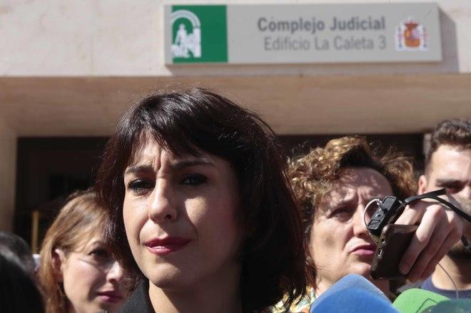 Juana Rivas ante el juzgado de lo penal nº 1 de Granada que celebró el juicio.