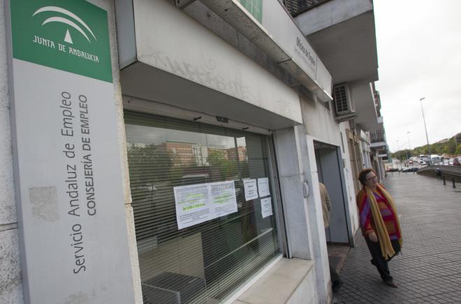 La precariedad laboral se ceba con las mujeres y los j venes en andaluc a andaluc a - Oficina de empleo andalucia ...