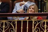 Begoñaz Gómez sigue el debate de la moción de censura contra Rajoy,...
