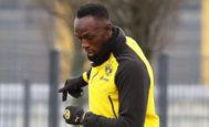 Usain Bolt, entrenando con el Borussia Dortmund.