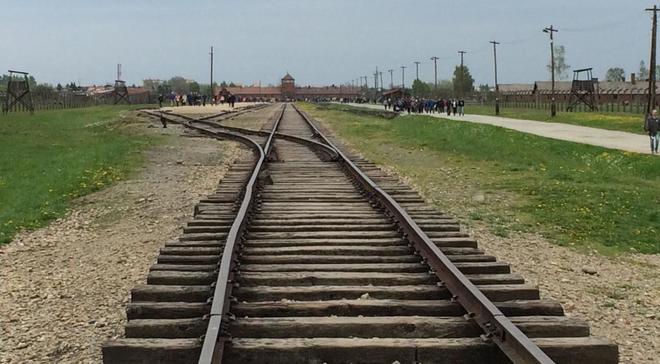 He visitado Auschwitz. Sorprende la solidez de ciertas construcciones y