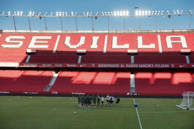 Los jugadores del Zalgiris durante el entrenamiento previo al partido.