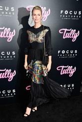 Charlize acudió al estreno de 'Tully'r en abril de 2018. El vestido...