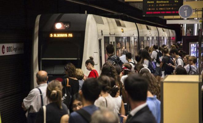 FGV ofrece servicios especiales de metro tras el partido entre Valencia CF  y Bayer Leverkusen f996ed1524c73