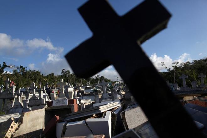 Puerto Rico admite que la cifra de muertos por el huracán María podría ser de 1.427 en lugar de 64