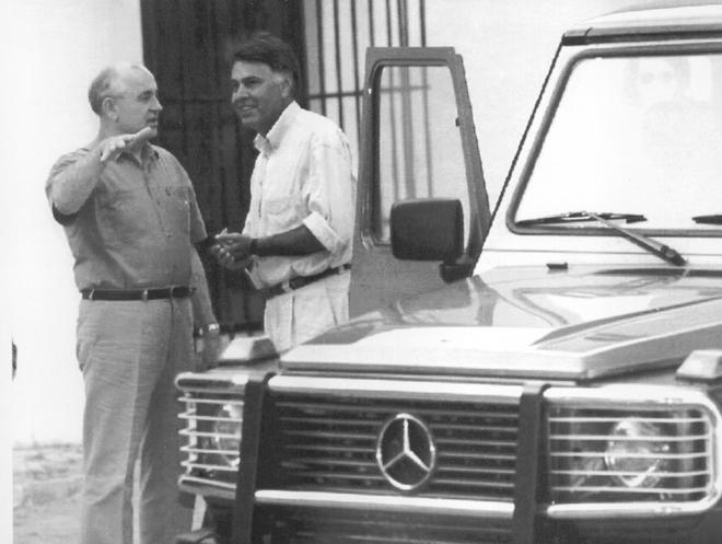 Sánchez y Merkel estrechan su relación en DoñanaFue Felipe González