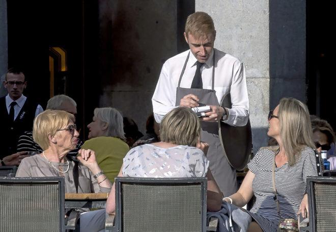 ¿Conoces las aplicaciones móviles que permiten cobrar la nómina en cualquier momento?