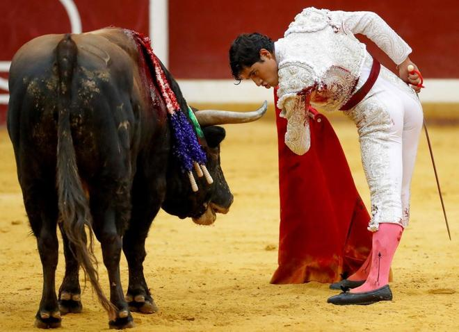Luis David Adame se dejó ir  un lote de triunfo en la segunda tarde de la Semana Grande de San Sebastián