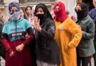Algunas de las temporeras marroquíes que han denunciado abusos por parte de sus patronos en la fresa.