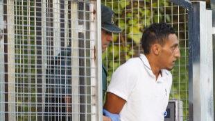 Driss Oukabir, a la salida de la comisaría de Tres Cantos (Madrid)...