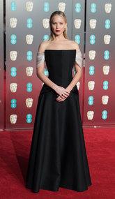 Lawrence con su impresionante vestido negro de Alta Costura de Dior...