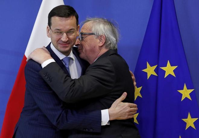UE: Bruselas da un mes a Polonia para rectificar la reforma del Tribunal Supremo