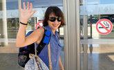 Juana Rivas, a su llegada al aeropuerto de Granada para viajar a...
