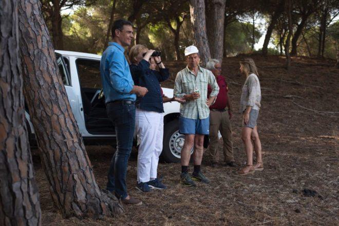 Angela Merkel y su esposo, Joachim Sauer, junto a Pedro Sánchez y su mujer, durante su visita a Doñana.