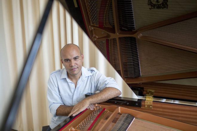 La voz de Magallanes, el tenor venezolano refugiado en España
