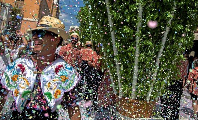 El municipio de Bétera celebró este miércoles el día grande de sus fiestas con la tradicional 'Rodà de les Alfabegues'.