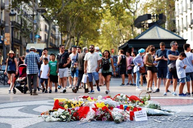El intento de politizar los homenajes a las víctimas de