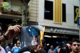 Miembros de los CDR queman retratos del juez Llarena en una...
