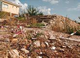 Restos de la casa de la localidad de Alcanar (Tarragona), después de...