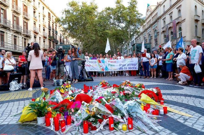 En el homenaje por el primer aniversario de los atentados