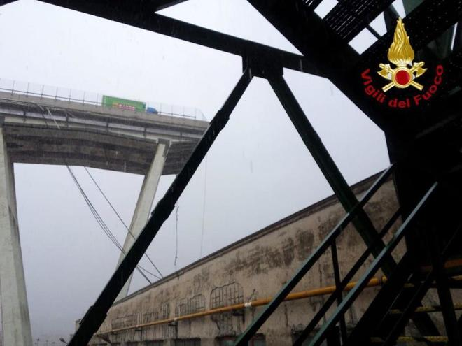 Aspecto de los restos del puente Morandi, en Génova, tras el derrumbe.