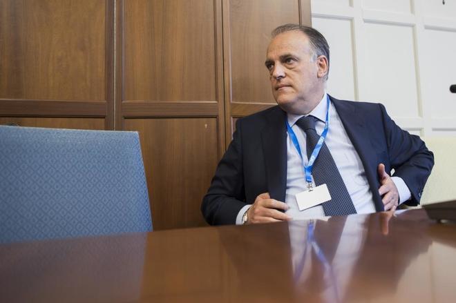 Javier Tebas, presidente de LaLiga, durante los cursos de verano de la UIMP.