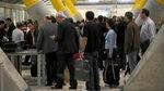 Los grandes sindicatos desinflan la huelga de los vigilantes en el aeropuerto de Barajas
