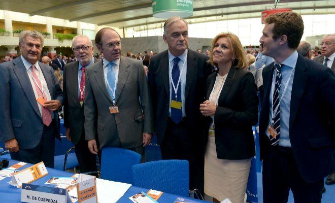 González Pons, María Dolores de  Cospedal y Pablo Casado, en el congreso del PP europeo.