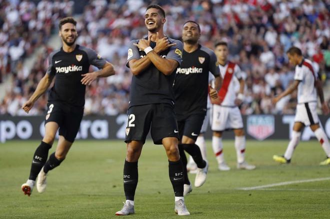 André Silva celebra su segundo gol, el tercero del equipo frente al Rayo.