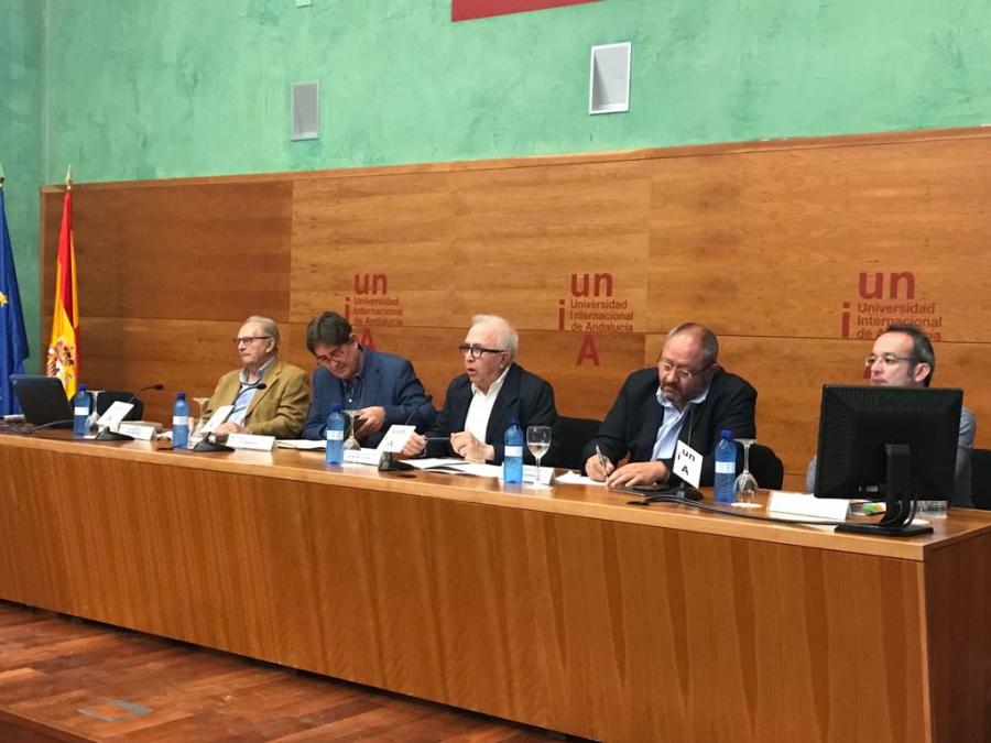 García Montero y José Sánchez Maldonado durante la presentación del curso en Baeza.