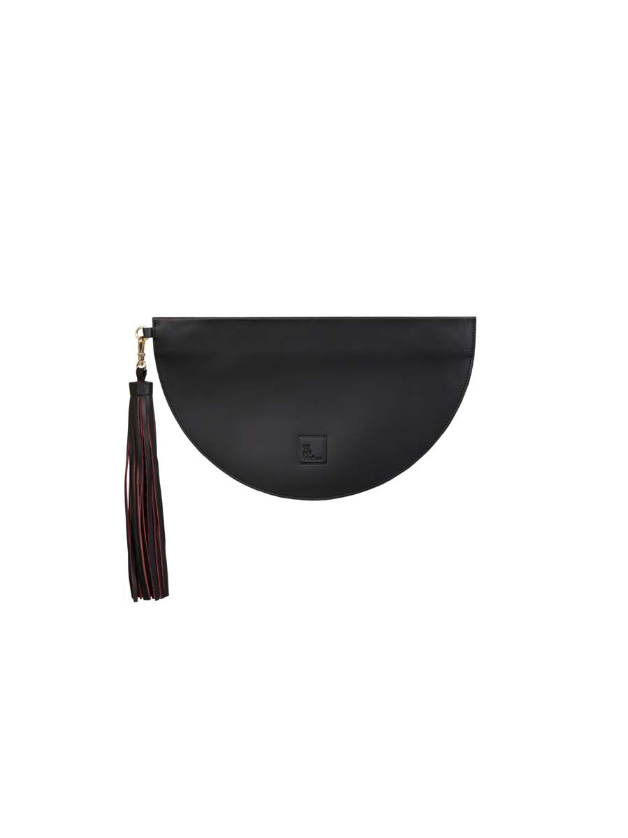 Bolso de tipo clutch en piel negra con detalle de borla bicolor (100...