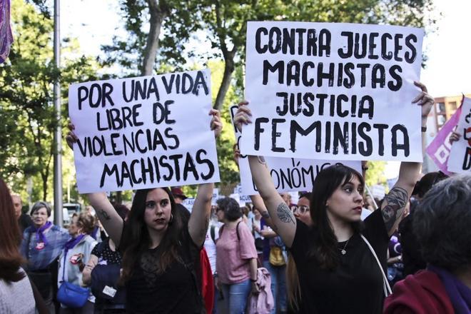 Manifestación feminista en el centro de Madrid contra la violencia...