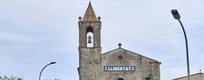 Lazos y reivindicaciones por los presos en las iglesias catalanas