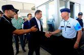 El director ejecutivo de Frontex, Fabrice Leggeri (c), durante su...