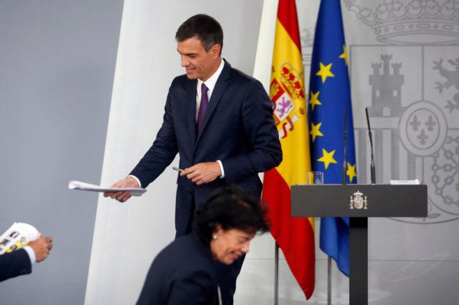 El presidente del Gobierno, Pedro Sanchez, después de una rueda de...