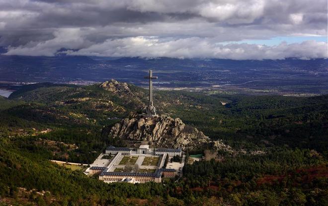 Vistas del Valle de los Caídos desde la finca de Cuelgamuros.