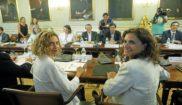 La ministra de Política Territorial, Meritxell Batet, y la ministra...